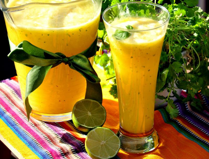 lemoniada ananasowa z limonką