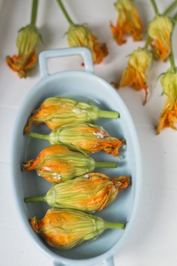 faszerowane kwiaty cukinii