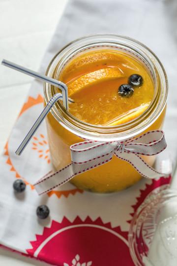 Lemoniada pomarańczowa z borówkami