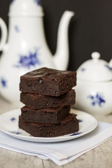 Brownie z porterem i malinami