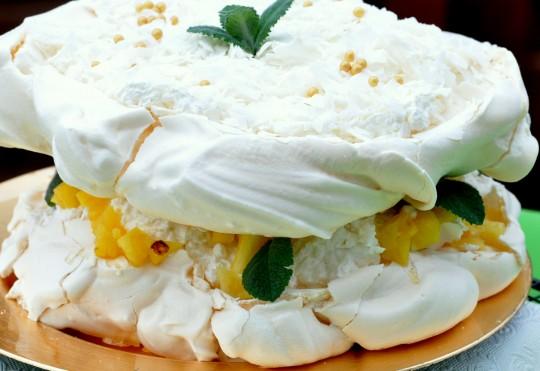 tort bezowy pinacolada