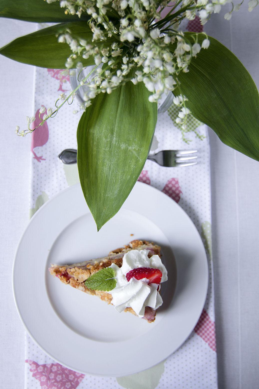Szybkie ciasto z rabarbarem i jabłkami