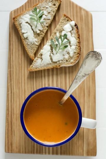 Zupa pomidorowa (krem pomidorowy) z mleczkiem kokosowym