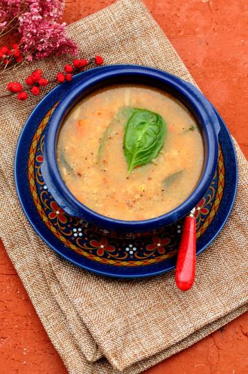 zupa z soczewicy z wędozną papryką