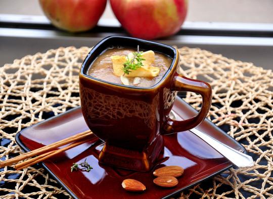 krem z pieczonych jabłek