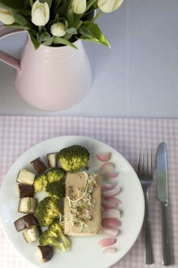 Tofu gotowane na parze (steamed tofu) z warzywami - Gotujmy Zdrowo - mniej soli