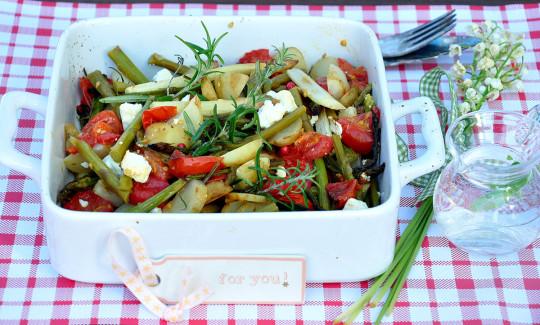 szparagi z pomidorami