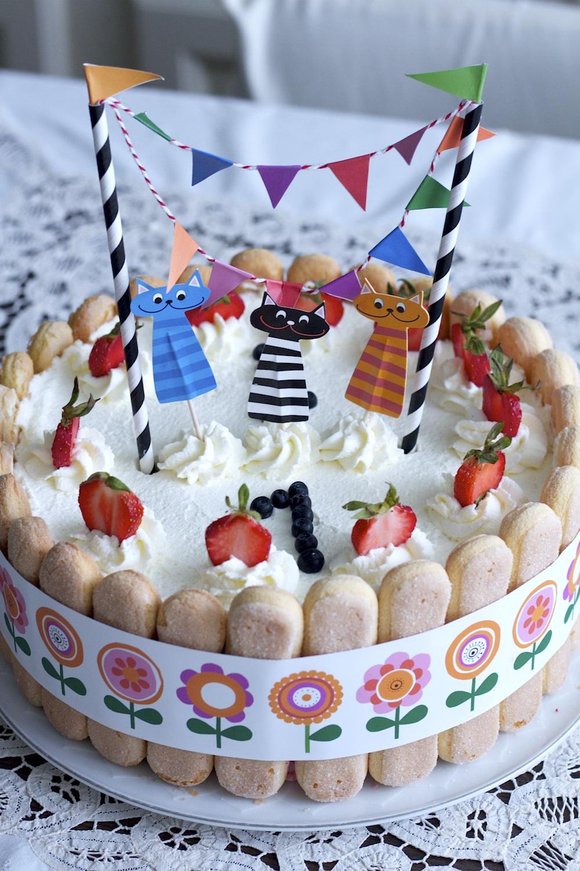Tort Truskawkowy Jak Zrobić łatwy Tort Dla Dziecka Kuchnia W Formie
