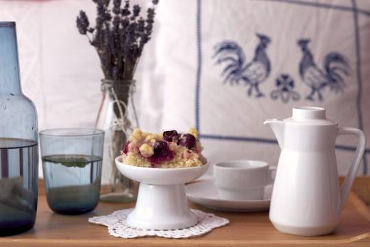 Ciasto drożdżowe z wiśniami i kruszonką