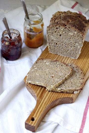 chleb razowy z nasionami chia 3