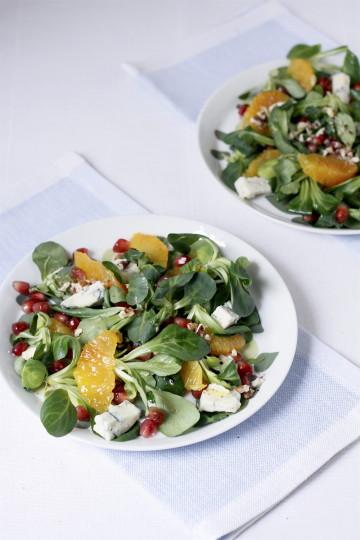 Sałatka z roszponką, gorgonzolą , granatem i pomarańczami - Gotujmy zdrowo - mniej soli