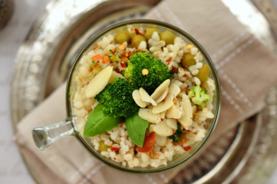 kasza bulgur z zielonymi warzywami