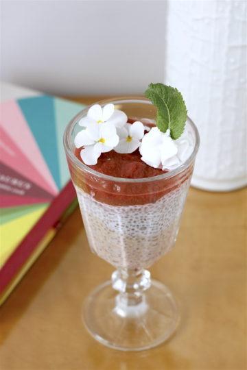 kokosowy pudding chia z musem rabarbarowym3
