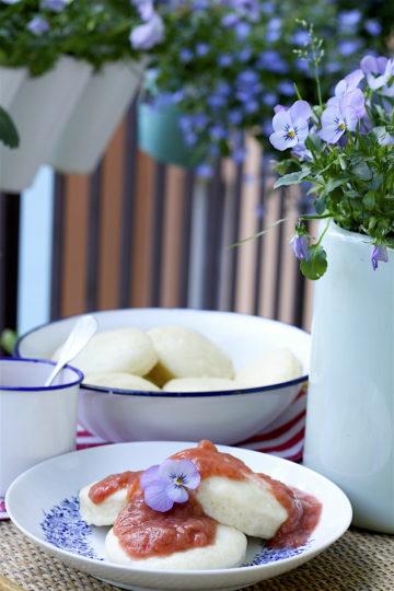 maslane pampuchy z musem rabarbarowym2