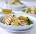 Sałatka z halloumi i pistacjami z pomarańczowym dressingiem