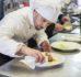 Praca w gastronomii. Czy zawód kucharza jest bardzo trudny i wymagający?