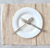 Jak ułożyć sztućce po jedzeniu? Co oznacza ułożenie sztućców?